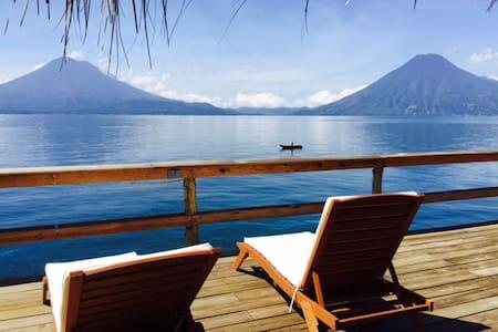 Casa de Larry, Lakefront Villa, Palapa/Deck - Santa Cruz la Laguna - Casa