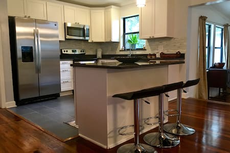 BEAUTIFUL VERY CENTRALIZED JACKSONVILLE HOME!!!!!! - Jacksonville - Haus
