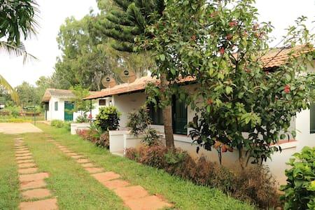 Kadackal Farm House - Mallika - Rumah