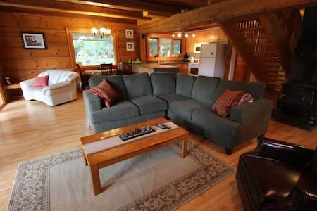 Christian Valley Log House - Rumah Tamu