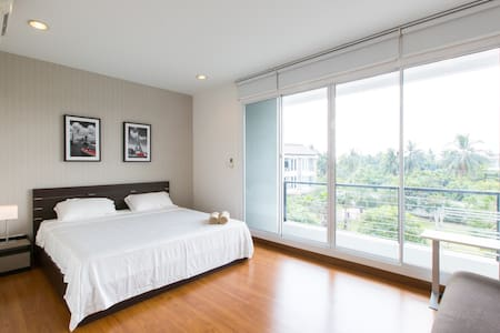 Cozy room & Garden view near BTS - Bangkok - Townhouse