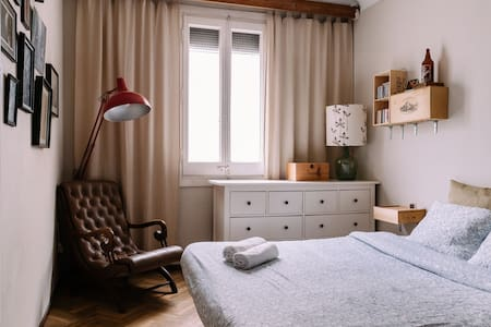 Big and bright double room - Barcelona - Apartment