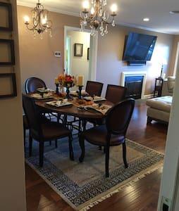 Posh & Upscale Condo in Roanoke VA - Condominium