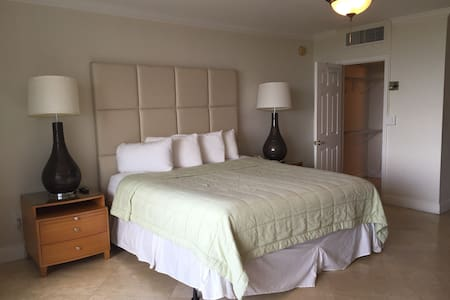 Ocean Manor Studio on the Beach - Fort Lauderdale - Apartment