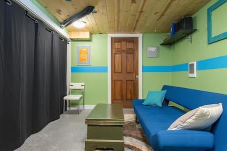 Basement Bedroom That Sleeps 2 - House