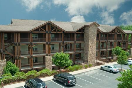 Peaceful Retreat Luxury Resort Unit - Near Lake - Branson - Villa