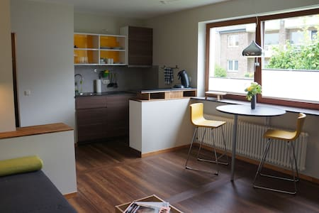Sunny & comfortable One-Room-Apartment in Aachen - Appartamento