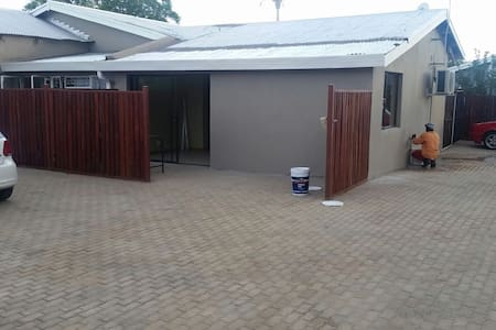 Jacobus Smit str 2 - Kimberley - Apartamento