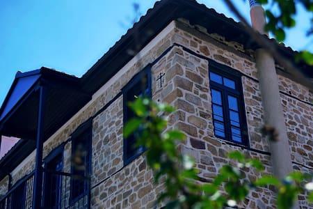 Αρχοντικό Χοροστάσι - Arnea
