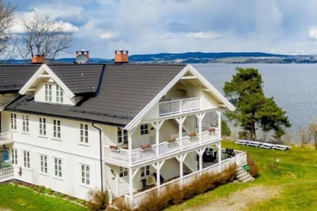 Sjarmerende feriehjem v/Øyeren - Flat