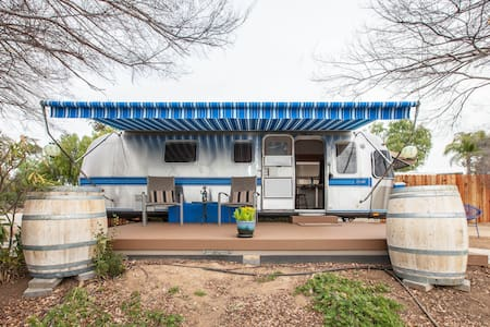 Airstream In The Vines - Autocaravana