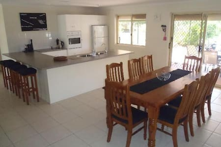 Silver Sands Holiday House - House