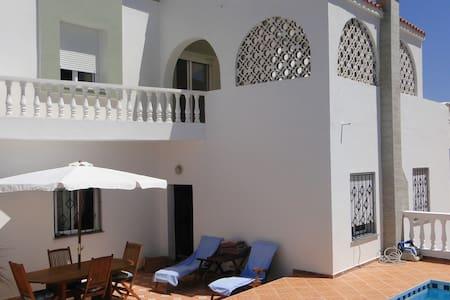 villa avec piscine - Villa