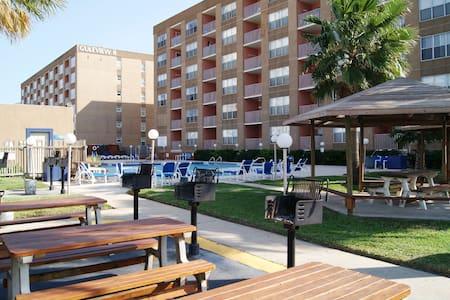 Gulfview213 Mid-island next Schliterbahn waterpark - South Padre Island - Condominium