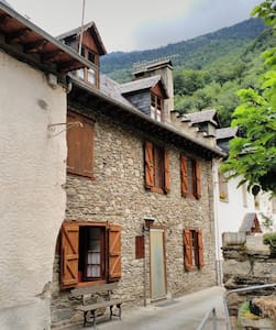 Casa aranesa  en Les, Vall d'Aran. - Casa