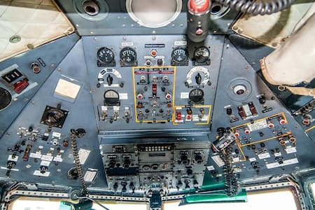 Cock-Pitten; slapen in een Fokker F27 vliegtuig - Aereo