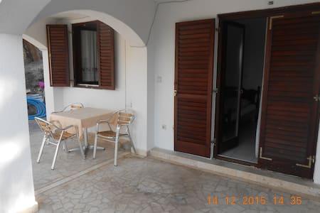 Апартаменты на вилле Zoran - Sveti Stefan