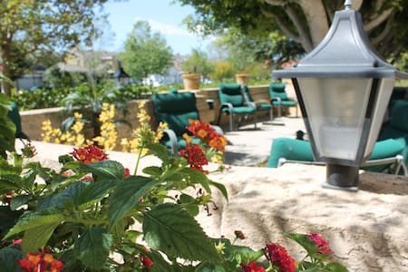 Fillmore Country Club/Assisted Living (RCFE) - Fillmore - Annat