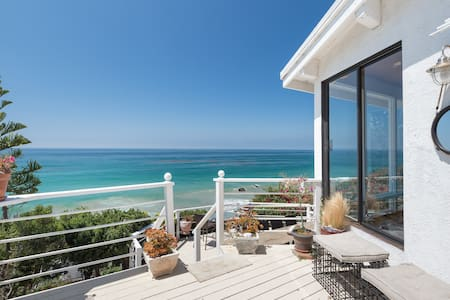 Broad Beach Malibu Close to Sand Breathtaking View - Malibu - House
