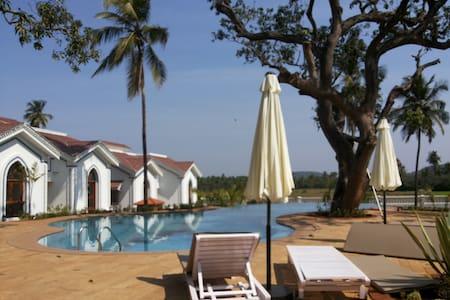 Serviced Riviera Sapphire Studio, Siolim North Goa - Siolim - Apartment