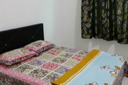 Homestay KLIA, NILAI3, SEPANG - Haus
