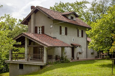 La Cascinetta nel Bosco (rustic house in the wood) - Hus