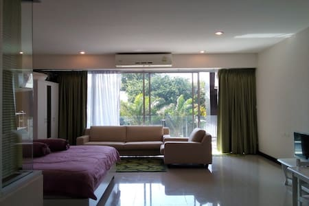 CHIC CONDOMINIUM ROOM 307