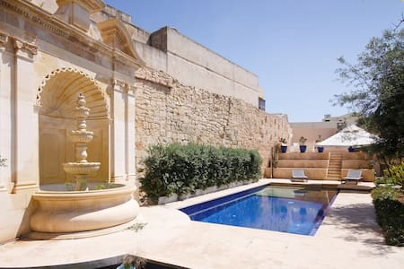Beautiful 1 bedroom house with pool and garden - Talo