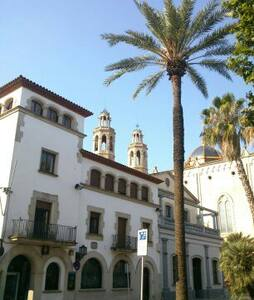 1 bed Apt with roof terrace 3,5 kms from Sitges.