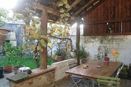 Chambre dans maison de centre ville - Gaillac