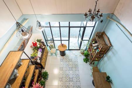 Loft咖啡花房小屋:别样体验-住在咖啡馆,林荫大道 - Hut