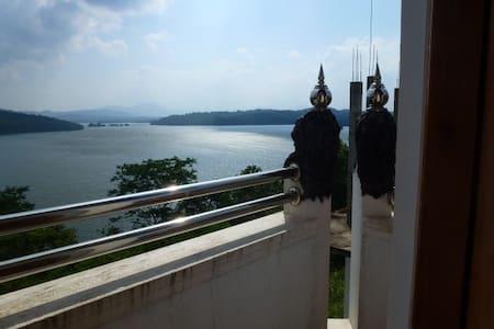 Guesthouse wonderfull view on the lake & breakfast - Domek gościnny