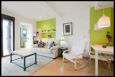 Very Central Courtyard House ***** - Rumah