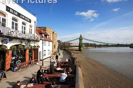 Brand new 1 bedroom flat near River and Tube - London - Apartment