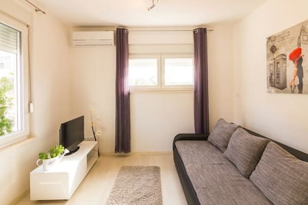 Cozy&new apt near old town ofTrogir - Apartment