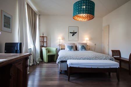 B&B Oranje Nassau | Lovely Room ♥ Bikes - Szoba reggelivel