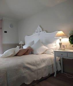 B&B in un tranquillo Borgo Lombardo - Bed & Breakfast