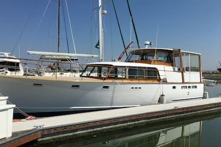 """Olympic"" Stevens 47' Motor Yacht - Redwood City - Boat"