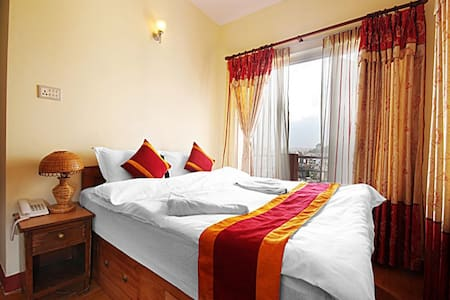 Peace Home-Stay with Great Views - Bed & Breakfast