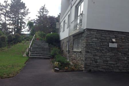 Top Unterkunft im Taunus - Kronberg