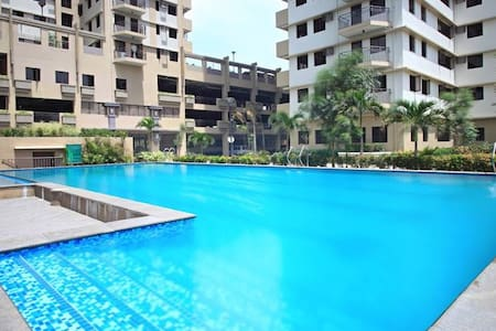 CONDO near Bonifacio Global City - Apartamento