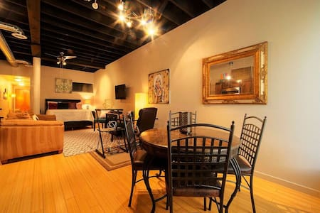 Hippie-Chic Studio in the Heart of Downtown ABQ - Appartamento