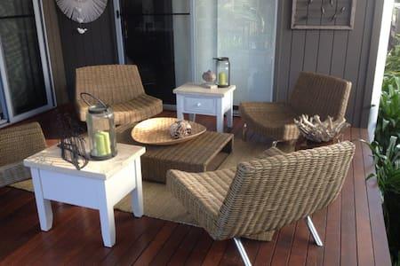 Saltwater Luxury Beach House - Dom