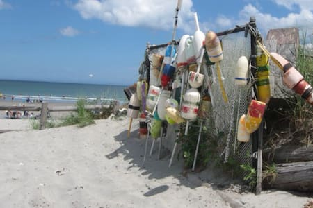 Direct Beach Front - Hull - House