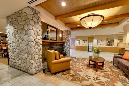 BEST Place to stay on the Lake! LuxLodge StuSleep4 - South Lake Tahoe - Villa