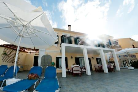 Dionos Villa - Asos - Villa