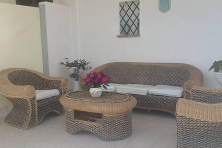 comoda villa a 2 passi dal mare - Contrada Fiori Sud - Apartment