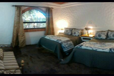 Residencia colonial 3 habitaciones - San Miguel de Allende - Villa