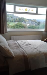 Pleasant, clean B&B - Golcar - Casa