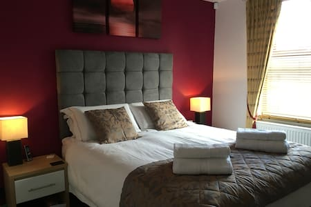 The Magdalen Deluxe King in Trendy East Oxford - Apartmen